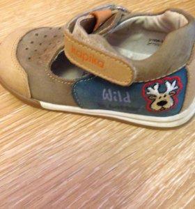 Продам летние туфли для мальчика,р.21Kapika