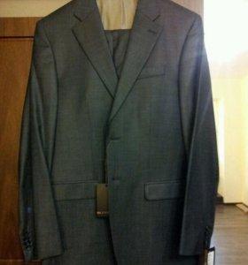 Новый мужской костюм + рубашка в подарок