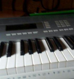 Синтезатор с подставкой