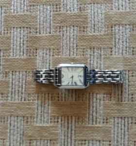 Продаю красивые наручные часы armani