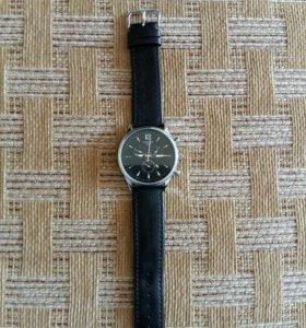 Продаю красивые часы tissot