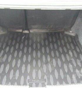 Коврики в багажник автомобиля