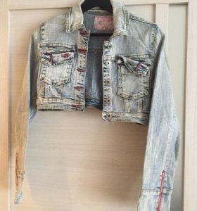 Джинсовая короткая курточка