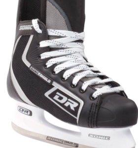 хоккейные коньки р.33
