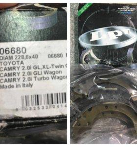 Колодки тормозные на Toyota Camry v30