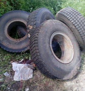 Шины на грузовик.