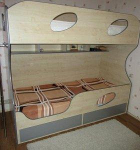 Кровать-двухьярусная