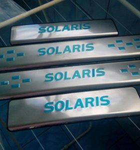 Накладки на пороги Hyundai Solaris