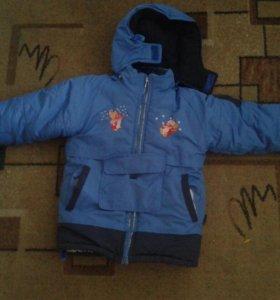 Зимняя куртка на мальчиков 3-4года