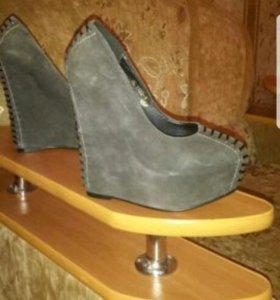 Туфли замшевые на платформе