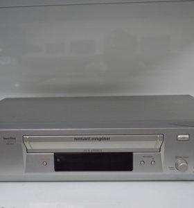 Видеомагнитофон Sony SLV-SE820N