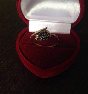 Кольцо золотое 583 проба с бриллиантами и сапфирам