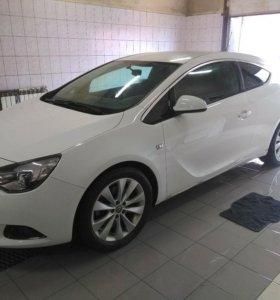 Opel Astra GTS ,1,4 турбо, 2013г. Торг уместен.