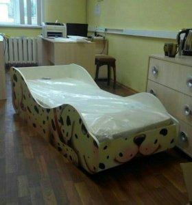 Кровать детская с матрасом и основанием