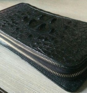 Чёрный клатч кожа крокодил