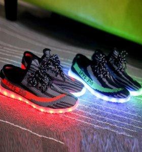 Светящиеся кроссовки LED usb обувь