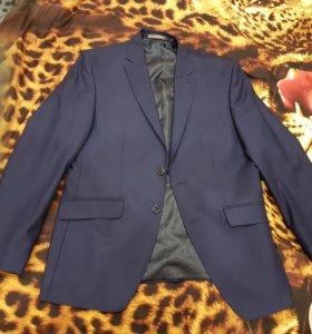 Продаю модный фирменный пиджак