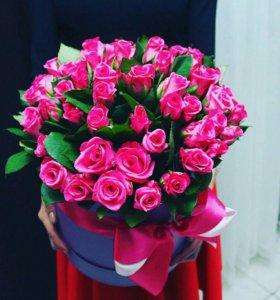 """Розы в шляпной коробочке """"Утро Принцессы """""""