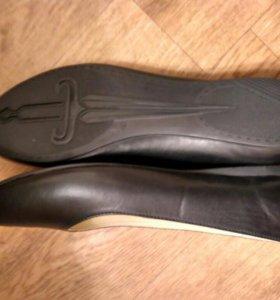 Балетки чёрные новые кожаные