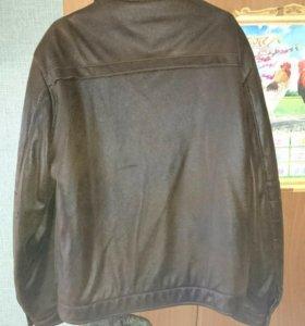 Продам мужскую куртку(весна-осень)