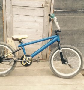 Bmx-трюковой велосипед.