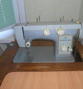 Швейная машинка ,, Чайка - 142 м ,,
