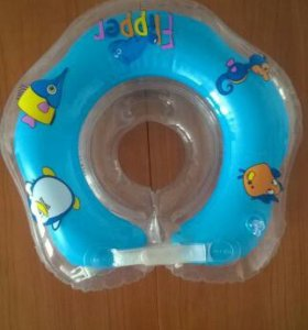 Круг для купания младенца с погремушками