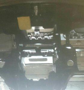 Продам стреленую панель для мерседес с180