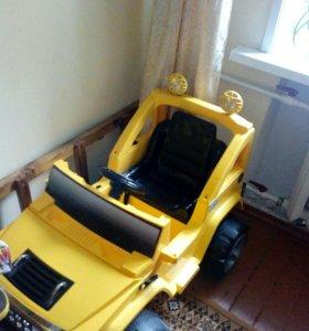 Детский аккумуляторный игрушечный автомобиль