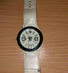Часы для модницы