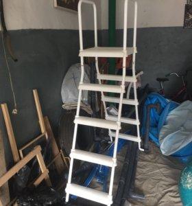 Лестница пластиковая