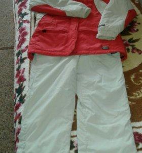 горнолыжный зимний костюм
