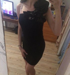 Платье с розой
