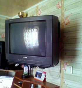 Телевизор + полка под телевизор