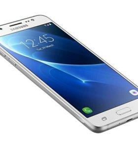 Samsung Galaxy J5 белый