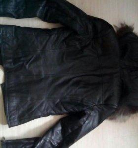 Продам коженую куртку
