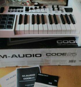 Midi клавиатура M-audio code 25