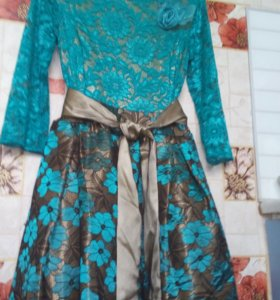 Продам новое платье на выпускной зеленого цв.44-46