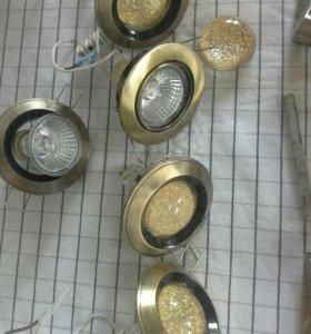 Дверные ручки и лампы