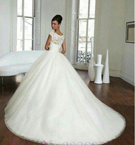 Не б/у  Свадебное платье