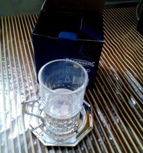 Новый стакан с подстаканником