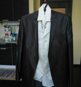 Праздничный костюм (slim fit) Giovanni Gilbert