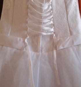 Платье свадебное, р.48