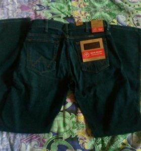 Фирменные мужские джинсы Wrangler.