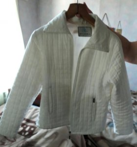 Куртка весна/осень размер 44-46
