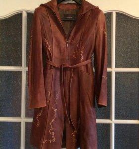 Кожаный плащ -пальто, с капюшоном, 44-46 размер