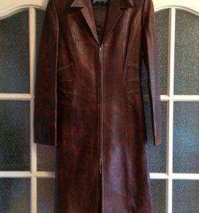 Новое, кожаное пальто, 42-44 размер