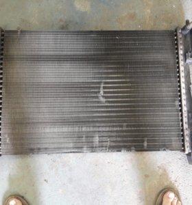 Радиатор фиат пунто 2009г