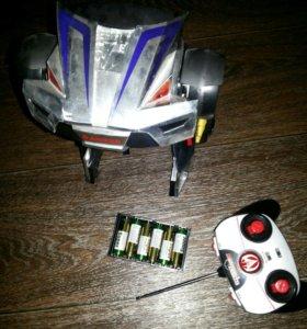 Трансформер робот.