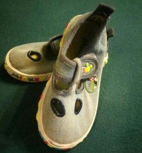 Детское кроссовки